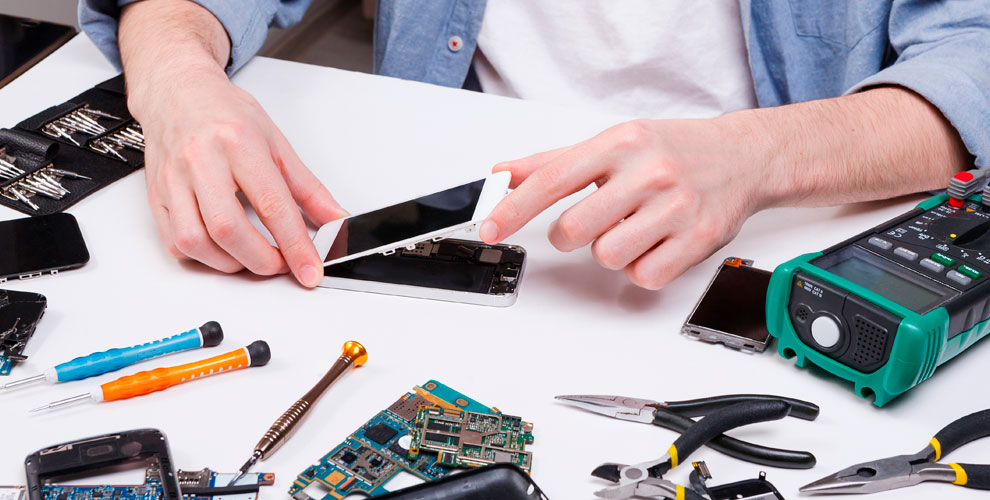 Диагностика смартфона, чистка ноутбука иПК,замена дисплея вкомпании UltraService