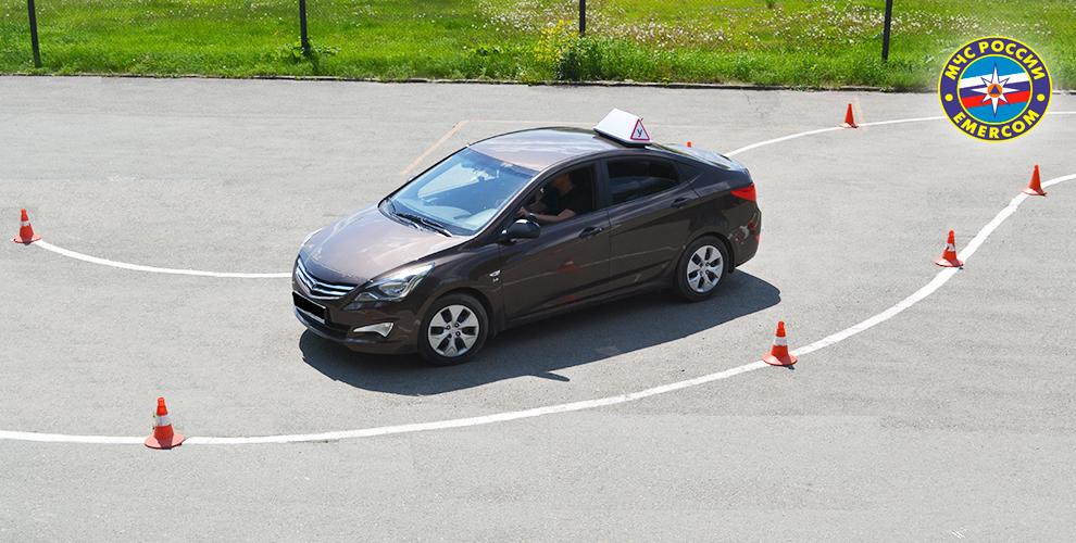 Курс обучения вождению на права категории «А» или «В» в автошколе «МЧС»