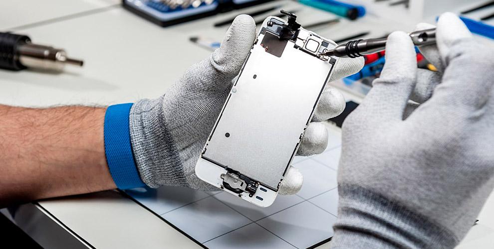 Замена дисплея, аккумулятора и другой ремонт смартфонов от компании «Яблоремонт»