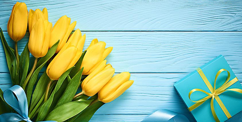Тюльпаны, розы и букеты в шляпных коробках в компании ML Flowers