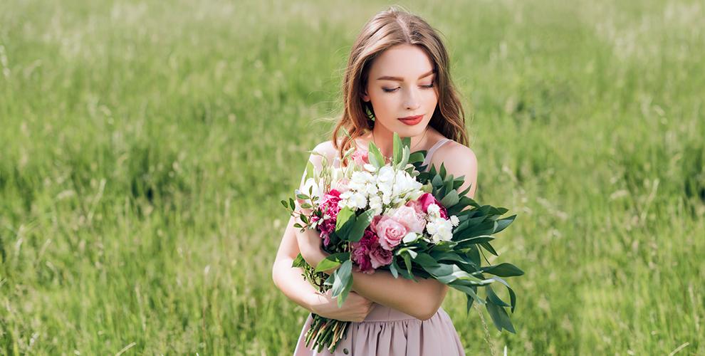 «Жанель»: букеты ицветочные композиции,цветы поштучно