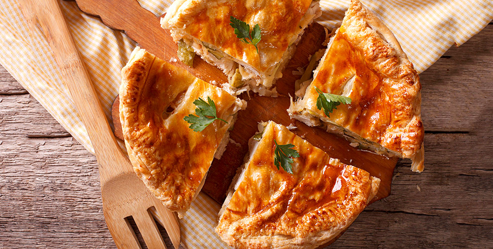 Разнообразие сладких и сытных пирогов с аппетитными начинками в пекарне «Пир пирогов»