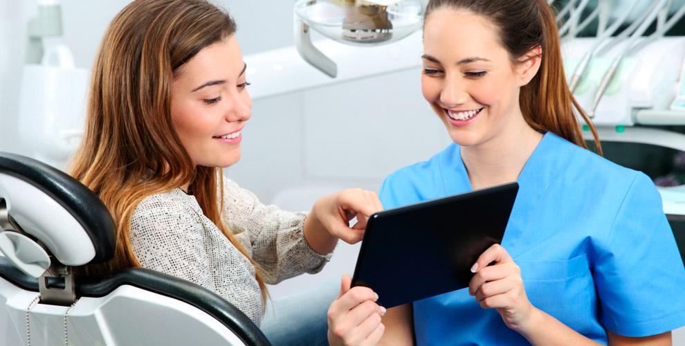 """Бесплатный осмотр, лечение кариеса и установка скайса в клинике """"АктивСмайл"""""""
