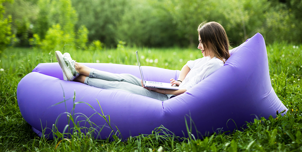 Надувной диван-матрас от компании «Сезонные товары»