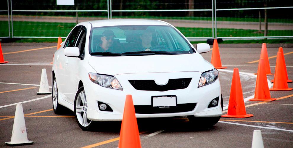 Курс обучения вождению на права категории В в автошколе «Е-класс»