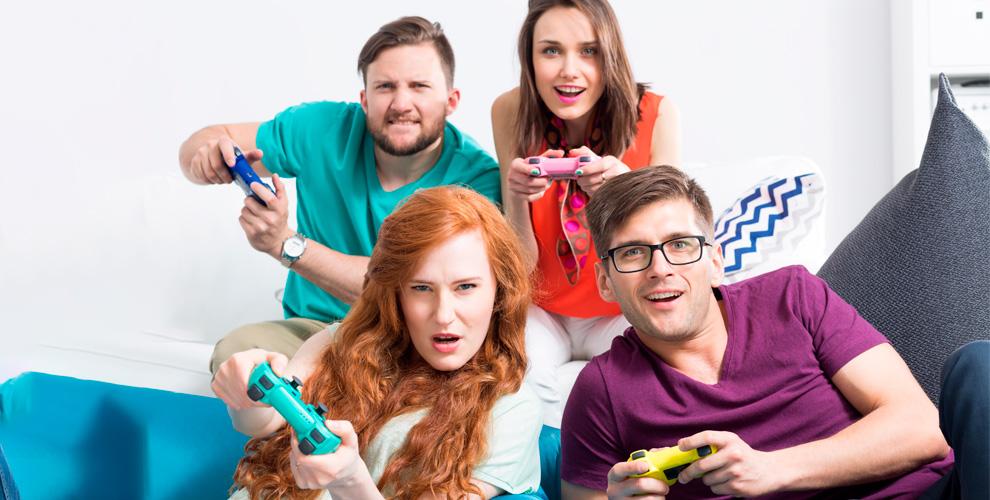 Игры в шлеме виртуальной реальности и на приставке PS4 в парке развлечений Skyy Arena