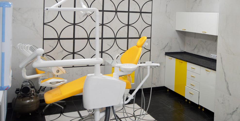 Консультация, лечение кариеса, гигиена полости ртавстоматологии «Золотая коронка»