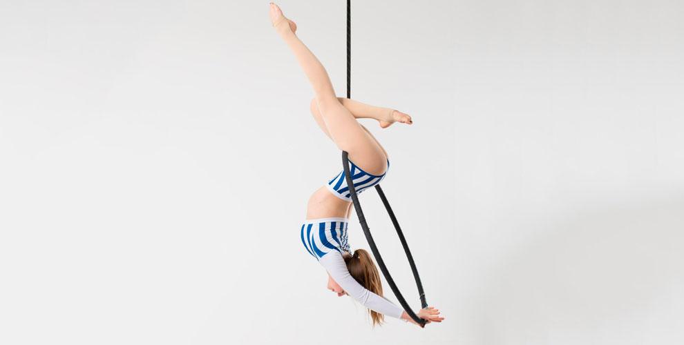 Занятия танцами напилоне ирастяжкаотстудии воздушной гимнастики «наШЕСТвие»