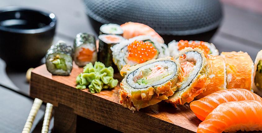 Со вкусом хорошего настроения! Блюда японской кухни по новым привлекательным ценам от ресторана доставки Happy Roll