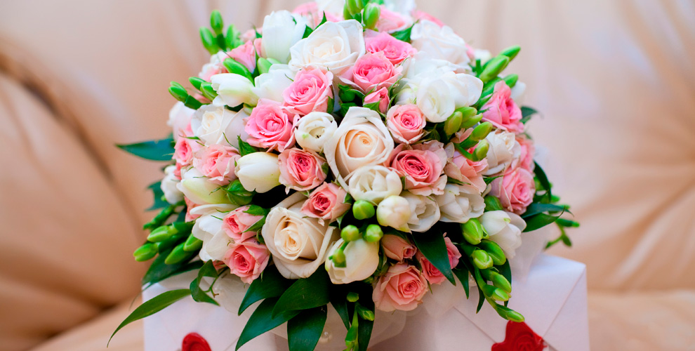 Розы, тюльпаны, ирисы, гвоздики и не только от оптово-розничной компании «ЮГ»
