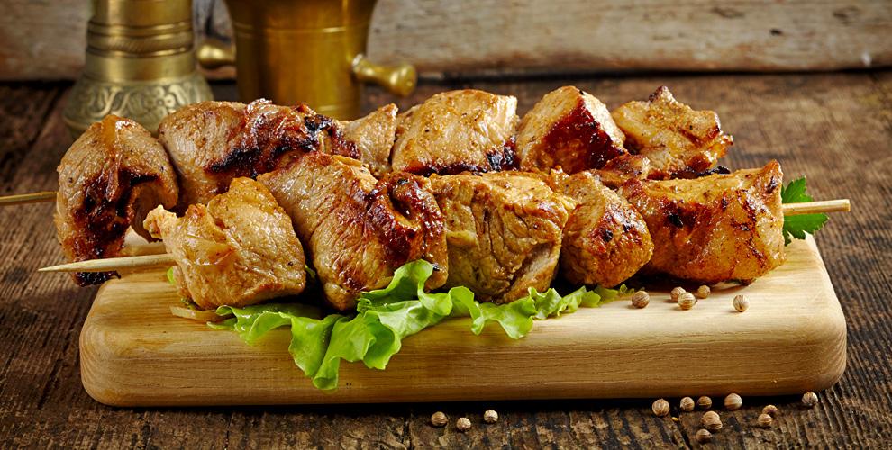 Блюда намангале, сеты «Ассорти», «Мясной» и«Рыбный» вресто-пабе «Бакинец»