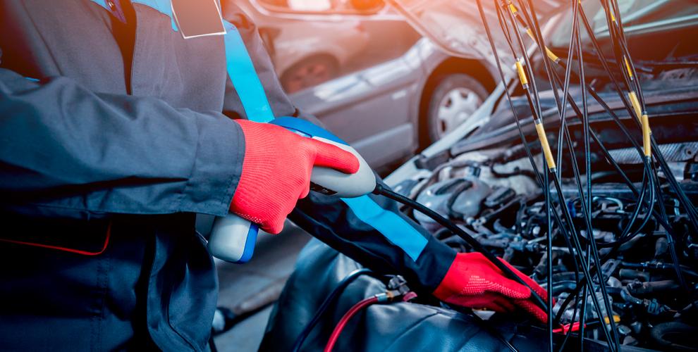 Заправка автомобильного кондиционера фреоном в компании «АвтоШинЦентр»