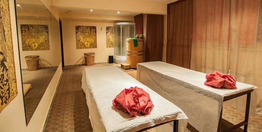 Отдохните и расслабьтесь не уезжая из города! SPA-программы с массажем, обертыванием и чайной церемонией в салоне Diamond Spa