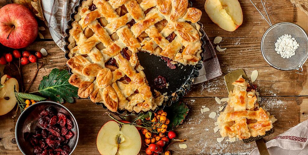 Сытные и сладкие пироги, салаты, супы и другие блюда от кафе-кулинарии «Сытый Кот»