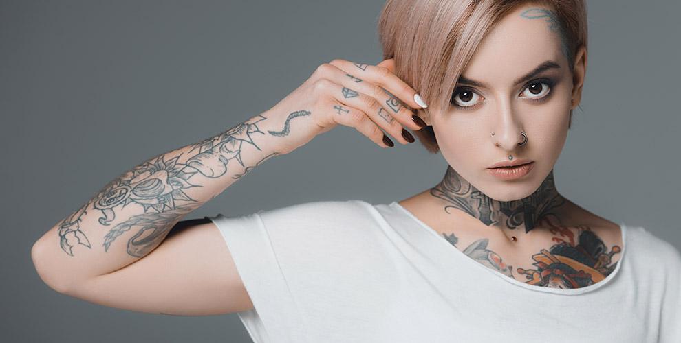 Нанесение тату и перманентного макияжа в студии Сергея Свидера «Арт-тату-сильвер»