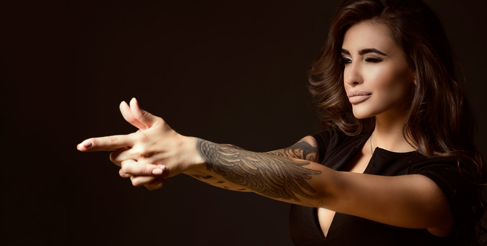 Нанесение цветной или черно-белой татуировки от тату-мастера Алисы Князевой