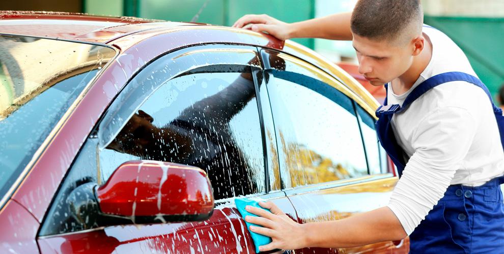 Автокомплекс «Чисто ибыстро»: мойка автомобиля ипротирка стекол