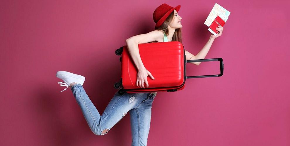Пластиковые чемоданы и чехлы от компании BAG x BAG