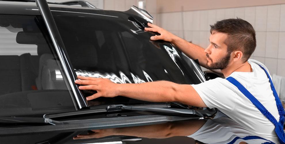 Тонировка стекол пленкой и полировка фар автомобиля в студии Svetodiod96