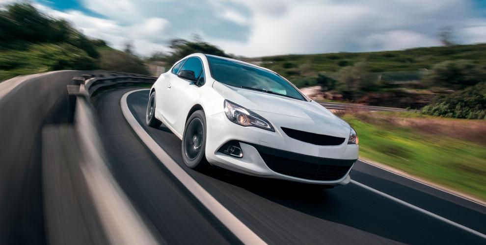 Тонирование стекол автомобиля энергосберегающей пленкой в автосервисе «На Меридиане»