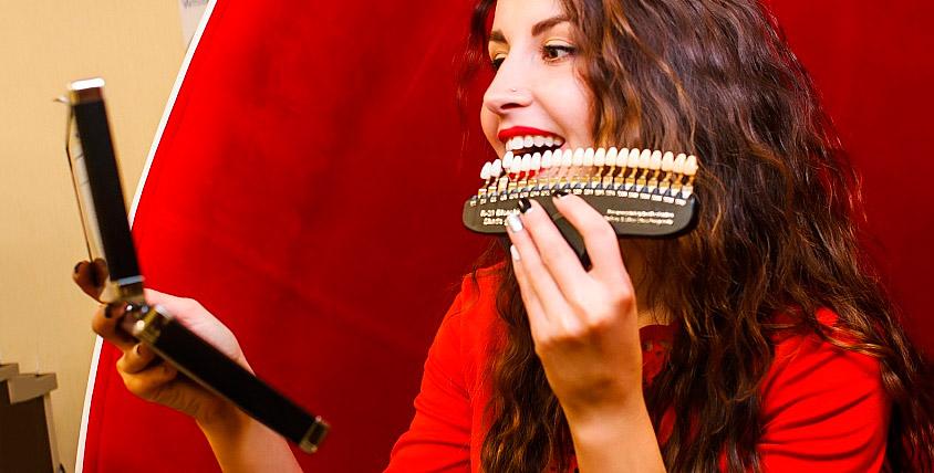 Косметическое отбеливание (осветление) зубов в студии White&Smile
