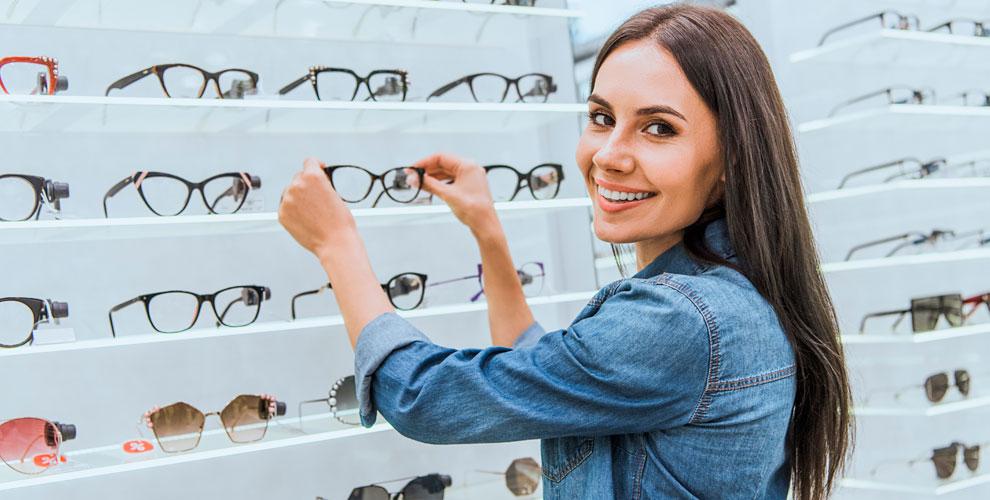 Контактные иочковые линзы, солнцезащитные очки всети салонов «Просто Оптика»
