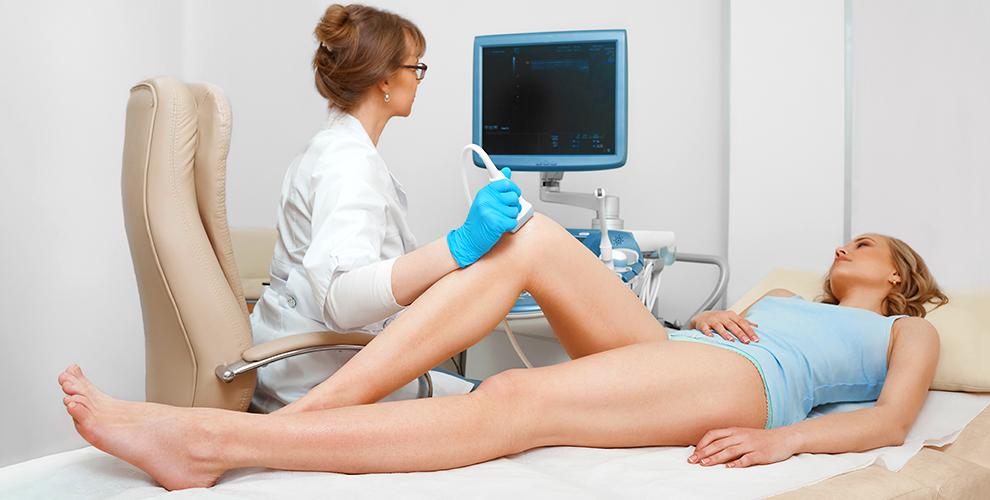 devka-masturbiruet-v-kresle-ginekologa-video