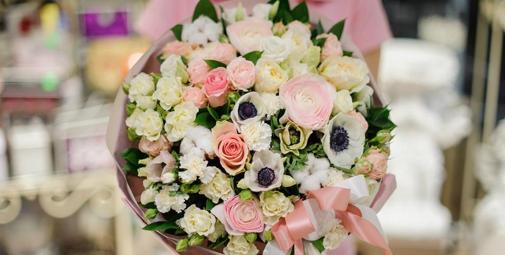 Салон Vanda: цветы, букеты, композиции в шляпных коробках и деревянных ящиках