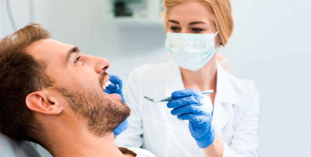 «Пломбир»: гигиена полости рта, лечение кариеса и установка керамической коронки