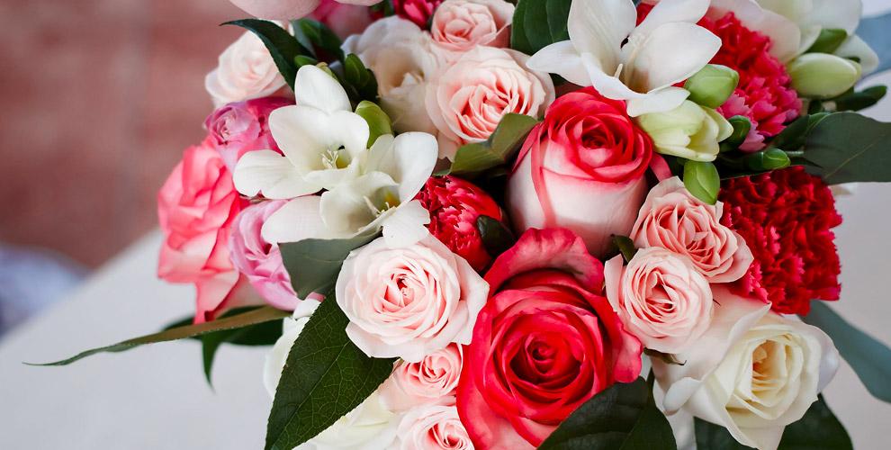 Розы, хризантемы, герберы, альстромерии, лилии вмастерской «Цветы снадеждой»