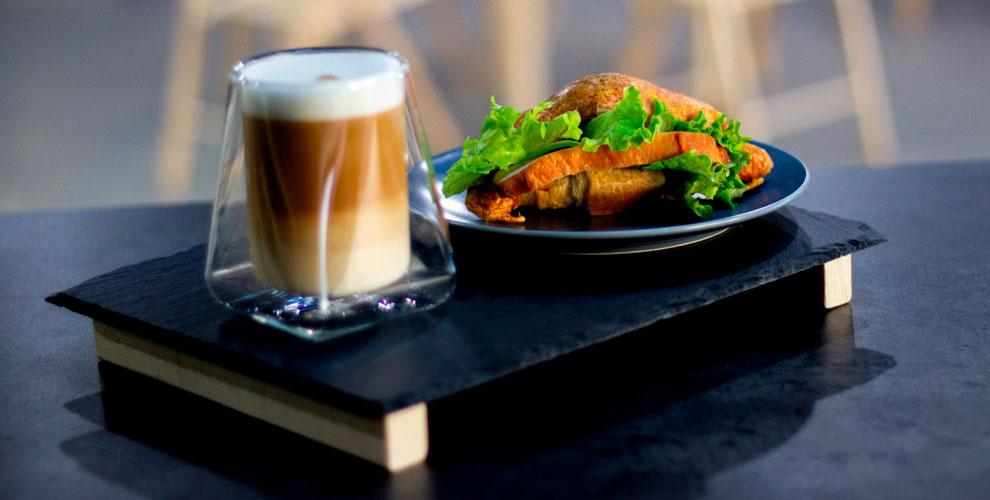 Меню завтраков, кофе ибезалкогольных напитков вкофейне TwinCup