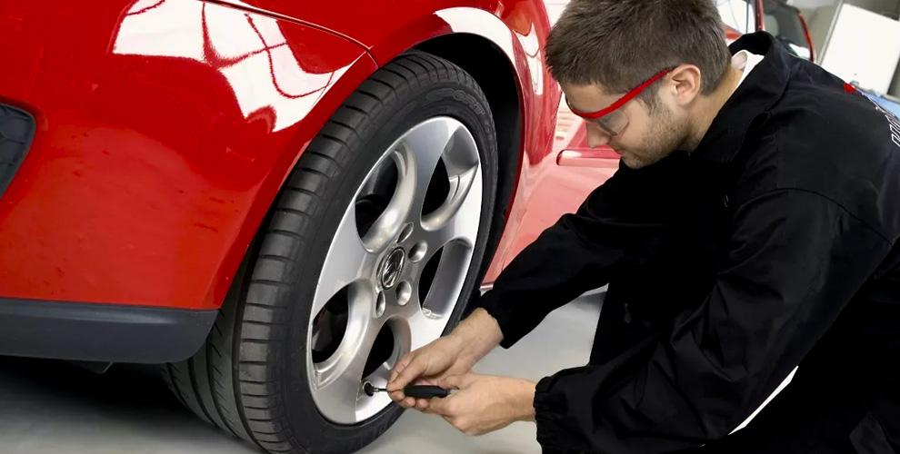 Шиномонтаж легковых автомобилей ивнедорожников вавтосервисе «Авторемзона»