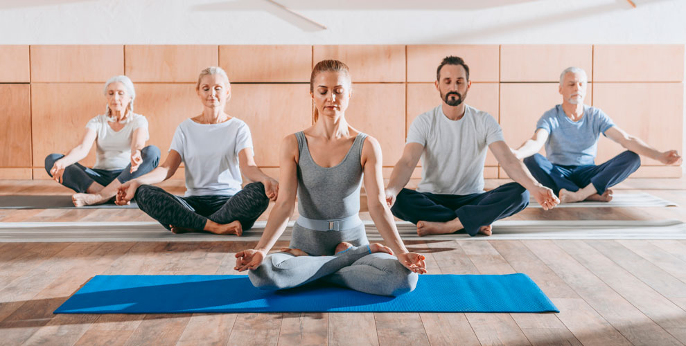 Занятия йогой, остеокинезисом и оздоровительной гимнастикой в студии «Гаруда»