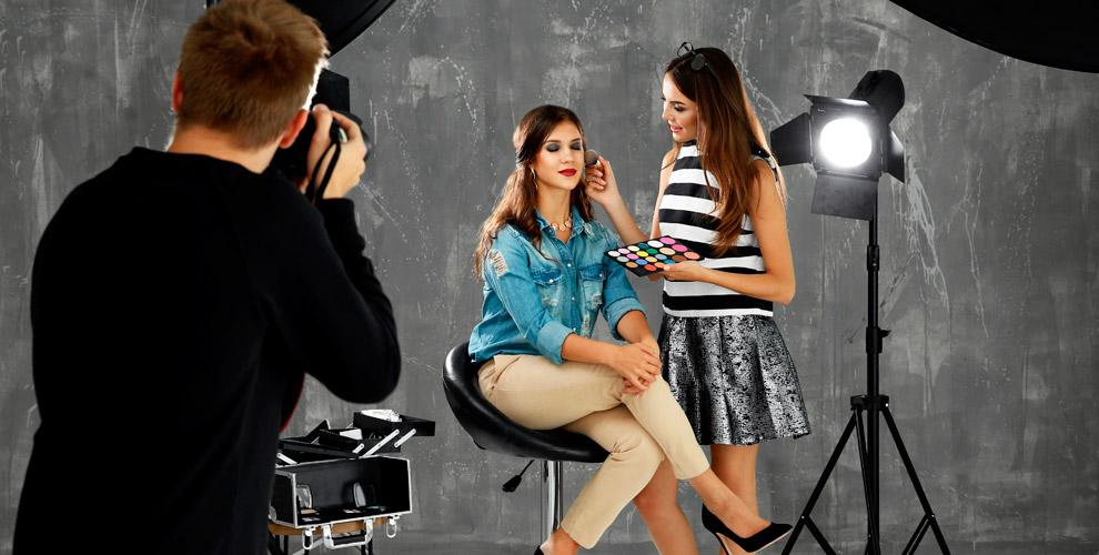 Профессиональная студийная фотосессия в фотостудии Inside Photo