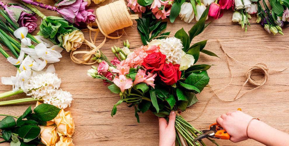 Розы, тюльпаны, лилии, орхидеи, букеты икомпозиции вмагазине «Роза-Мимоза»