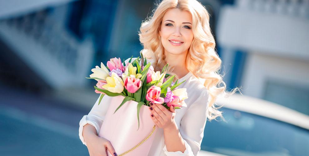 Mary JMall Flowers: композиции вшляпных коробках, цветы вящиках, роза вколбе