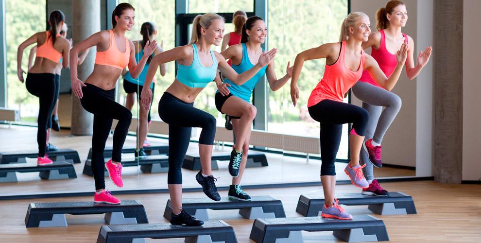 Занятия фитнесом для детей и взрослых, аэройга в студии C&J