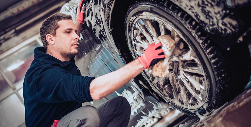 Комплексная мойка, химчистка салона и «Жидкое стекло» в автомойке Pit-Stop