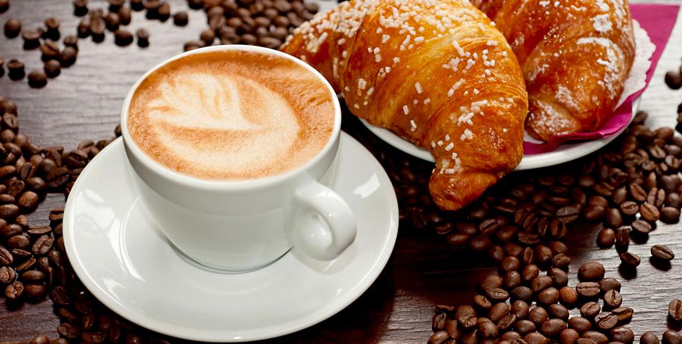 Горячие блюда, десерты, кофе и не только в кофейне The Coffee & Breakfast