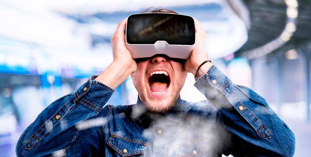 VR21: игры в шлеме виртуальной реальности в будние и выходные дни