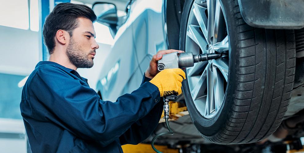 Шиномонтаж грузовых и легковых автомобилейвкомпании Tiretorg