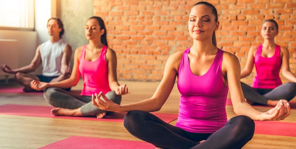 Занятия йогой и тренинги для женщин в студии «Макошь»