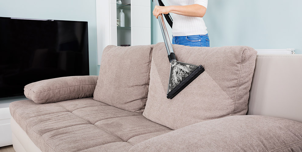 Компания «ЭкоКлининг 66»:химчистка дивана, кресла, ковра, матраса