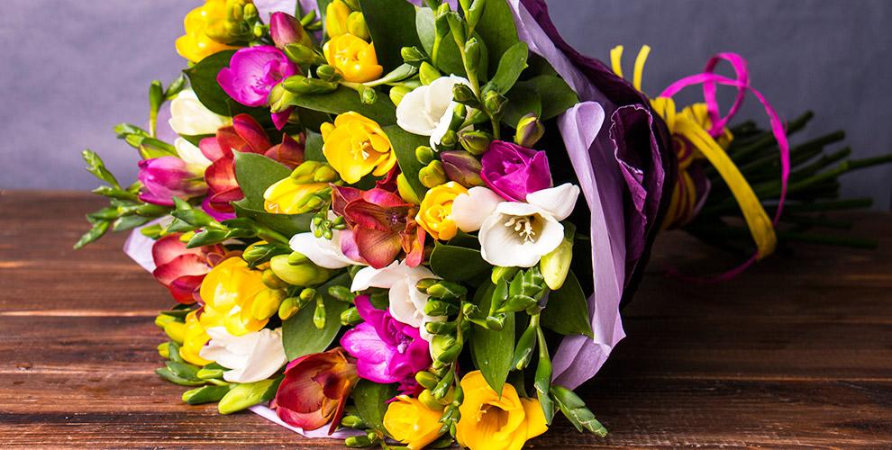 Розы, гвоздики, альстромерии, герберы и букеты в сети салонов «Розалин»