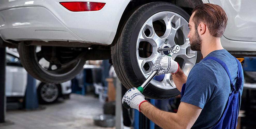 Шиномонтаж колес автомобиля в компании Shinaby.ru