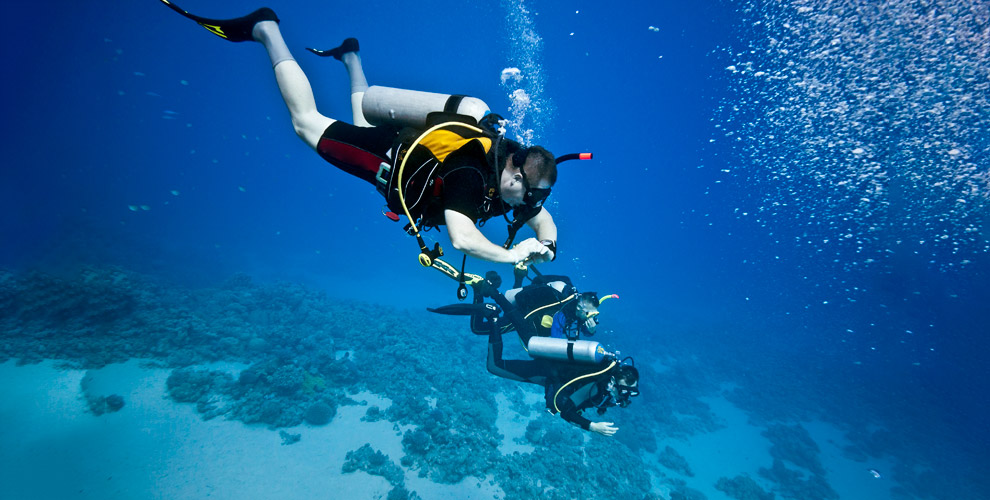 Центр подводного плавания «Аквастиль»: занятие поплаванию саквалангом