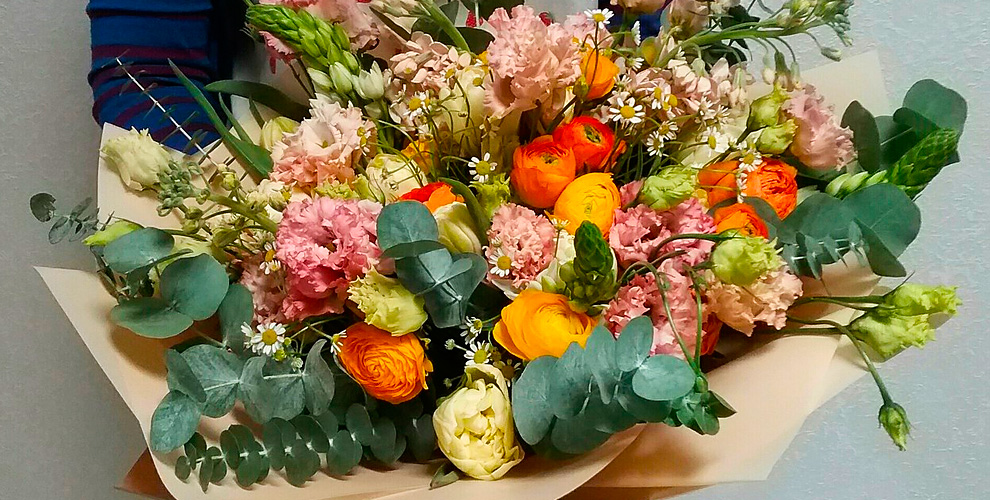 Цветы и букеты в ассортименте от сети студии цветочного дизайна Florissimo