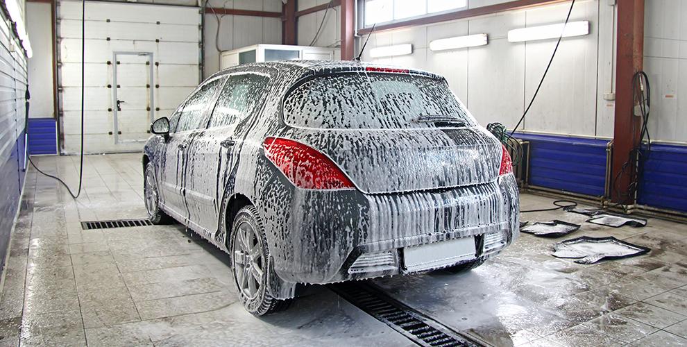 Комплексная мойка, химчистка салона и покрытие «Жидкое стекло» в автомойке «АкваПлюс»