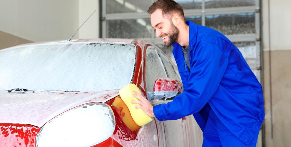 Мойка автомобилей с нано-шампунем, химчистка салона в автомойке «КОСМО24»