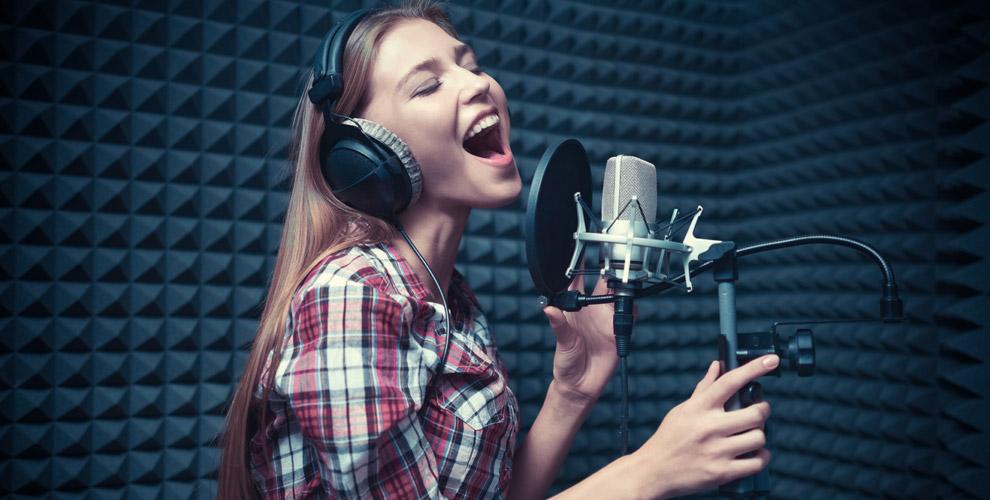 Запись песни, создание слайд-шоу исъемка видеоклипа встудии Drive Records